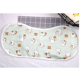 Adjustable Infant Bandana Burp Cloths , Muslin Baby Clothes Bibs Four Layers