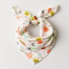 Comfortable Muslin Baby Bibs Premium Cotton Material Customized Printing Design